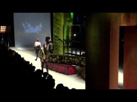 Roberto Cavalli Menswear Autumn/Winter 2014-15 Fashion Show