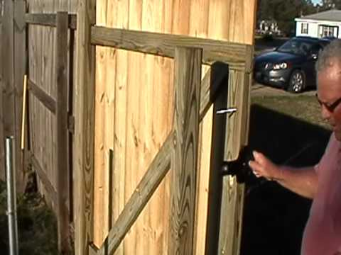 how to build a wood gate in minutes by. Black Bedroom Furniture Sets. Home Design Ideas