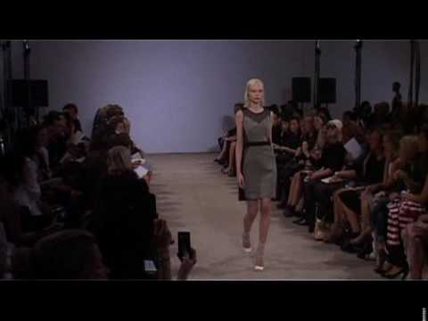 London: Jonathan Saunders fashion show- Women's Ready to Wear Spring/Summer 2010