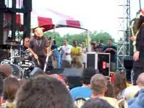 Buckethead and Claypool 6-10-06 Wakarusa
