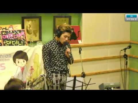 130313 Kiss The Radio - SHINee Jonghyun ��� ��� (Live)