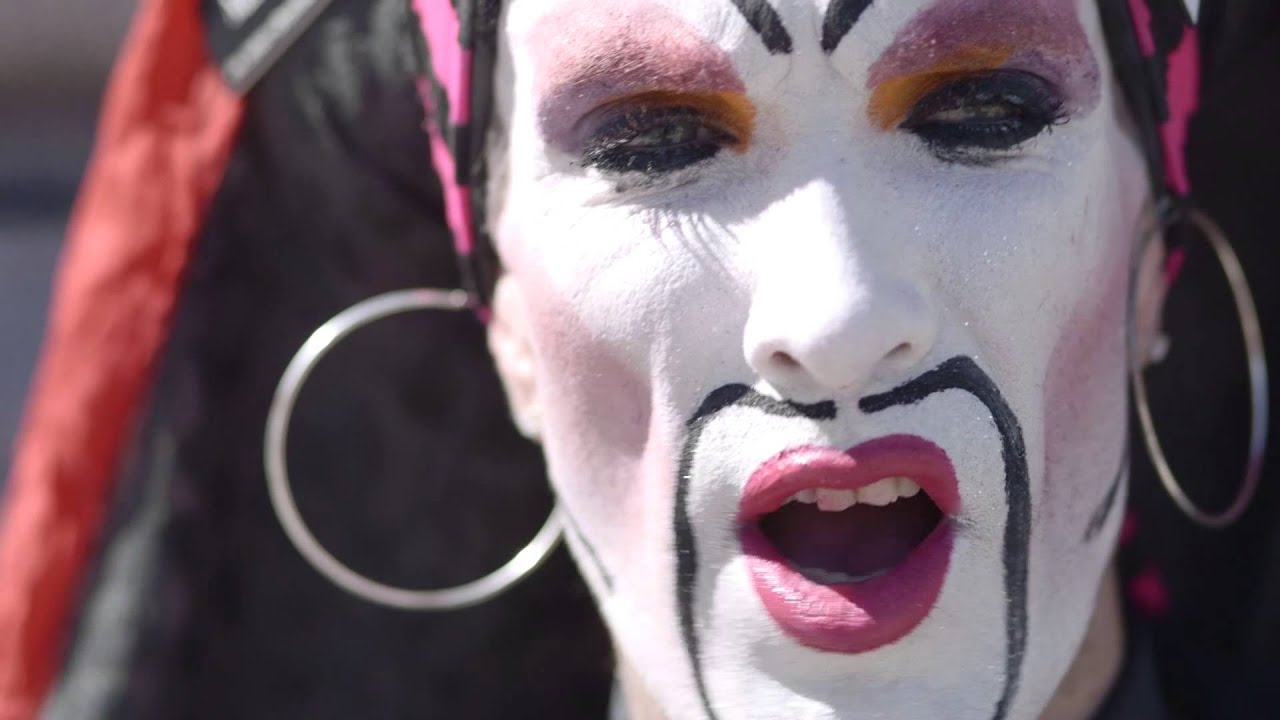 Drag Queens and Facebook Agree on Genuine Identity Policy ...