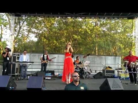 Mozhdah Jamalzadah Qataghani Mast - afghanistan Watanem Live In Toronto Concert 2013 - Hd video