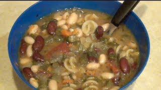 Healthy, Easy Minestrone Soup- Olive Garden Inspired