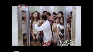 Grab woman's breast to take a elevator