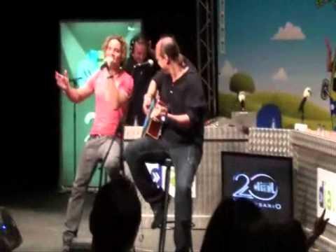 DAVID BISBAL EN DIRECTO Y EN ACUSTICO - PROGRAMA DE RADIO ATREVETE DE CADENA DIAL - MADRID 2011