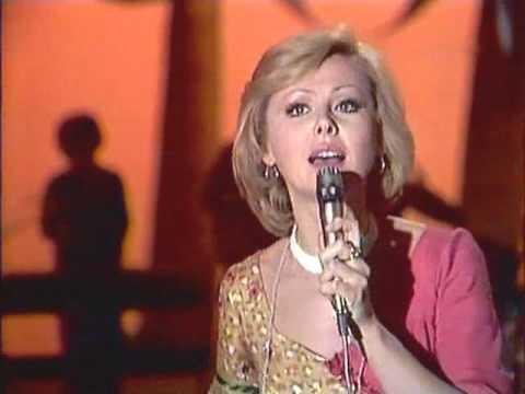 Наталья Селезнёва - Звенит январская вьюга [1977] (HQ)