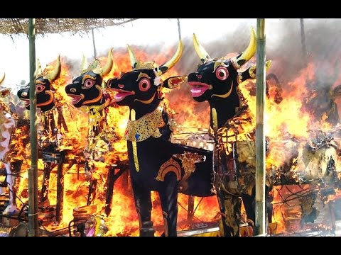 Upacara NGABEN di Bali - Burning The Corps in Balinese Funeral - Tourism Destination Indonesia [HD]