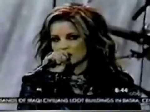 Lisa Marie Presley - Sinking in