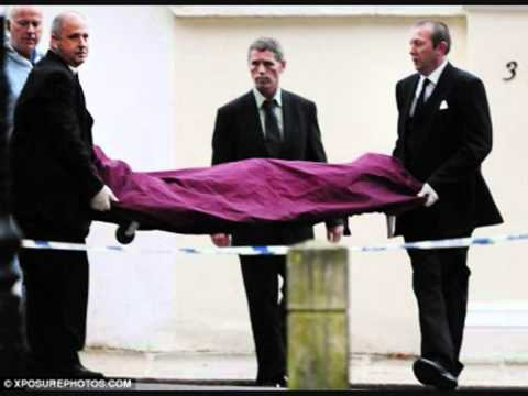 Amy Winehouse Dead Body New Pics 12 agust.mp4