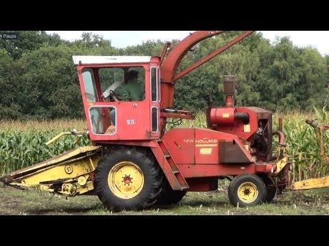 Diverse nostalgische hakselaars en tractoren in actie tijdens de oldtimer hakseldag Espelo 2013 Met oa : Claas (Jaguar 40), PZ Zweegers, New Holland (1880), ...