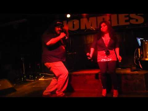 Mexican Peter & Lois Griffin doing more karaoke