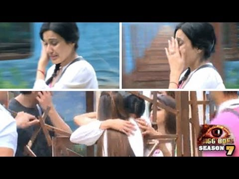 Bigg Boss 7 14th October 2013 FULL EPISODE Kamya Breaks Down CRYING