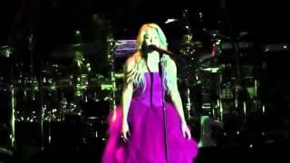 Shakira Video - Shakira - Je l'aime à mourir (Shakira, Live From Paris) HD + Letra