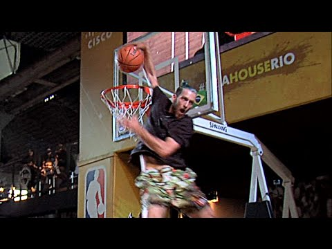 CRAZY Scorpion Dunk over 3 Peo...