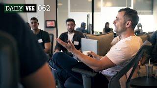 Internal Teams, Meetings and Motivations | DailyVee 062