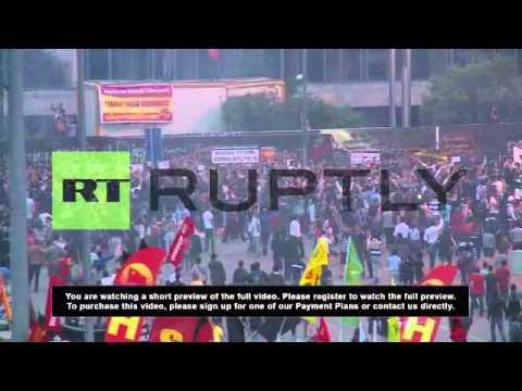 Turkey: Taksim Gezi Park rings to occupiers chants