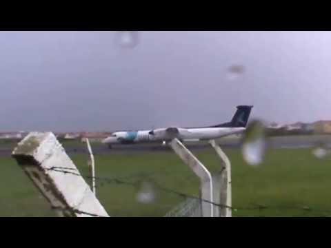 Ужасная авиакатастрофа во время штрорма   самолет спасли невероятные навыки пилота
