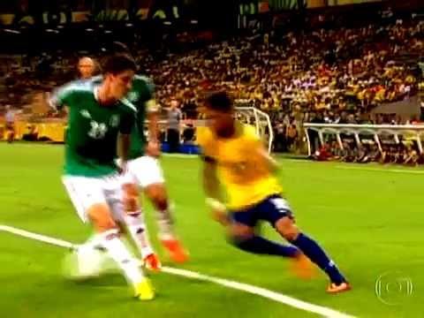 Incrível drible! Neymar Brasil 2 x 0 México 19/06/2013