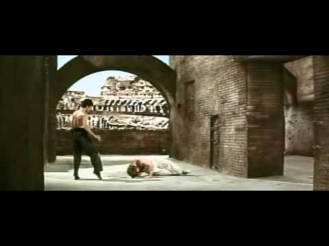 Bruce Lee (kung-fu) Vs. Chuck Norris (karate) video