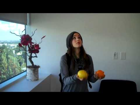 [HD]Ellen Page Juggling!