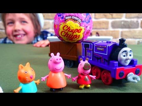 Свинка ПЕППА. Паровозик, Адриан и Киндер сюрприз. Распаковка игрушек. Видео для детей