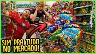 DIZENDO SIM PARA TUDO NO MERCADO PARA UMA CRIANÇA!! [ REZENDE EVIL ]