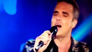 Angels - Robbie Williams en Los40MusicAwards (01/12/2016)