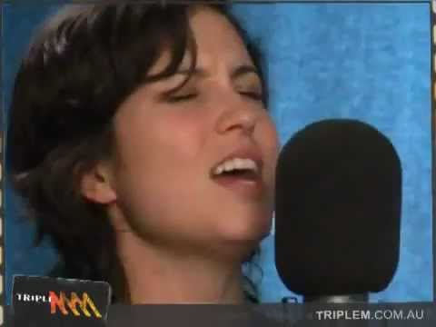 Missy Higgins - Peachy (Acoustic) with Lyrics