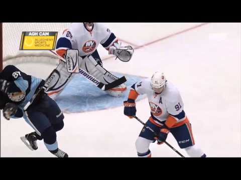 Sidney Crosby gets a puck in the face vs Islanders - NHL 30/3/13