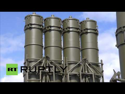 Russia: Putin lifts ban on export of S-300 missiles to Iran