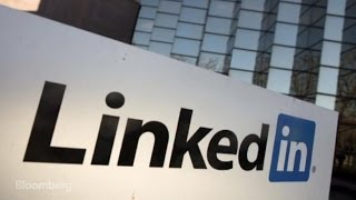 How Does LinkedIn Work and Make Money?