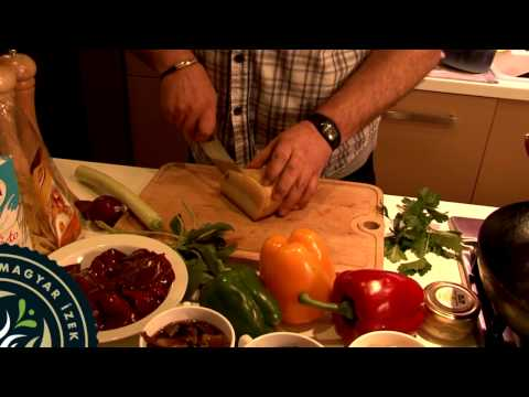 Zsályás csirkemáj házi tésztával - kézműves magyar ízekből