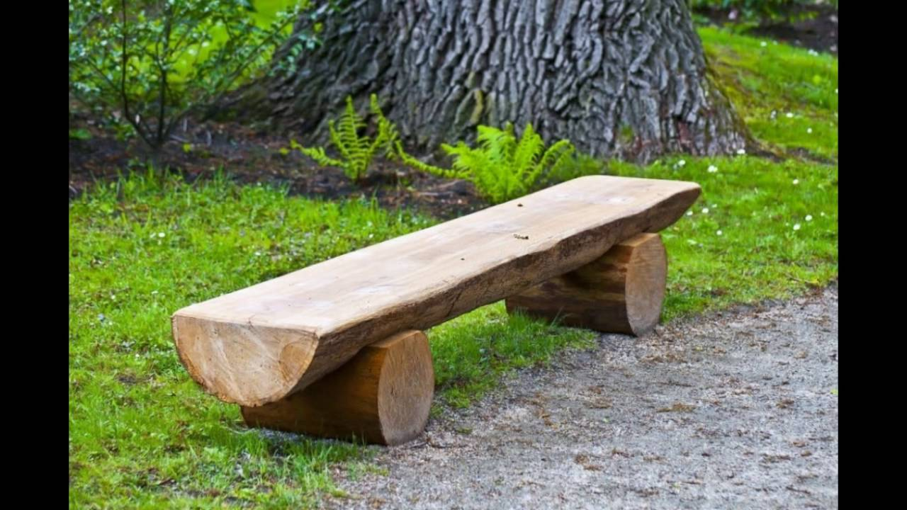 Стол и скамейка из бревна