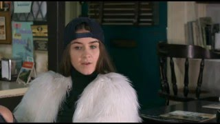 Extras:Brooke Vincent-Sophie and Kate