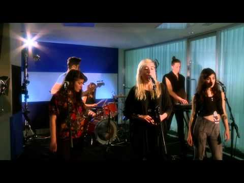 Austra: How we wrote Lose It - live session