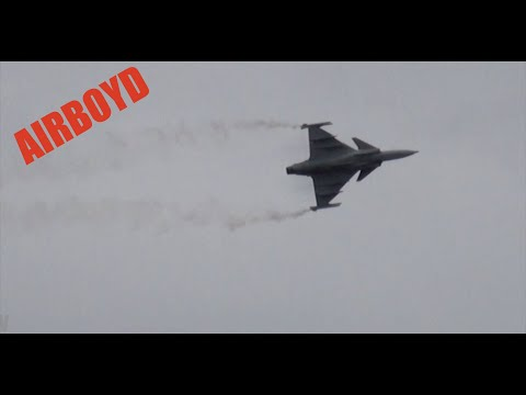 Saab Gripen Flight Demonstration - Farnborough Airshow 2012 (Monday)