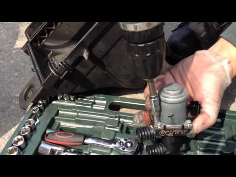 Replace or clean up BMW E46 330i Hot Water Valve [更換或清理寶馬E46 - 330i 的熱水閥]