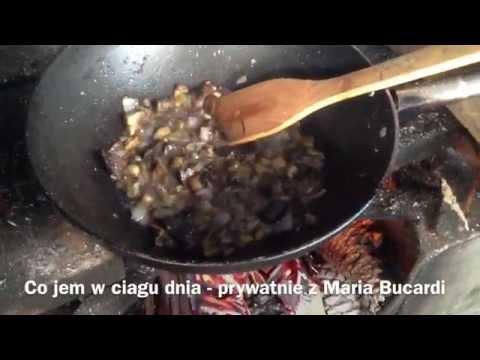 Cz. 2 - Sniadanie i co jem w ciagu dnia - Maria Bucardi weganka wiedzma rytualistka