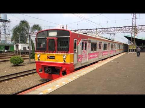 ジャカルタの日本製中古電車 Jepang kereta api di Jakarta