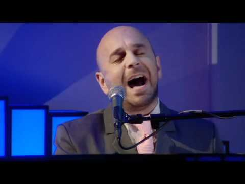 Elio Pace - Honesty (Live on 'Weekend Wogan' BBC Radio 2)