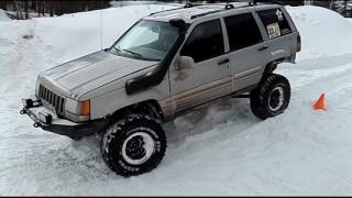Jeep Cherokee vs Lada Niva Off road 4x4 Deep Snow Hill Climb