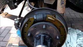 Land Rover Series 3 Rusty Repairs Part 8 - TLS brakes -