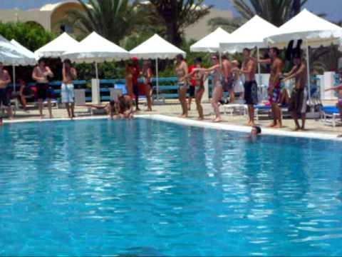 Danse du soleil a la piscine club ole fram djerba avi for Club piscine soleil chicoutimi