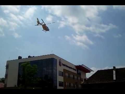 Ratownik 6 Ląduje Na Dachu CUMRiK S.U. W Krakowie