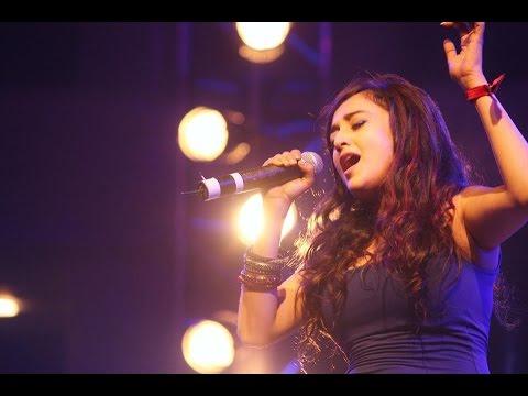 Monali Thakur Sings Song Sawaar Loon From Lootera Movie