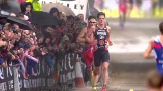 Crazy sprint finish between Javier Gomez & Jonathan Brownlee