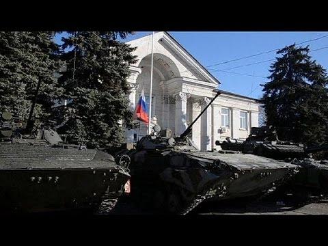 Ucraina: Kiev riposiziona militari nell'est,