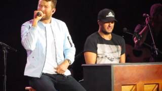 Download Lagu Luke Bryan, Brett Eldridge, Brett Young Night Moves, Thinking out Loud & Lets get it on 3-10-17 NC Gratis STAFABAND