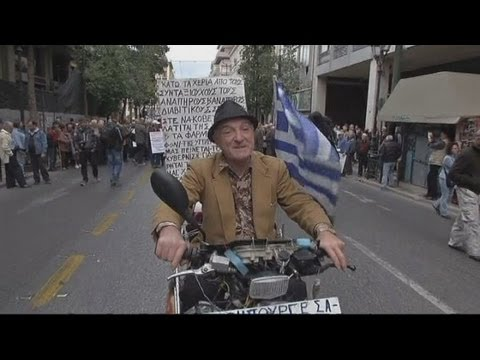 Greek pensioners march through Athens in protest